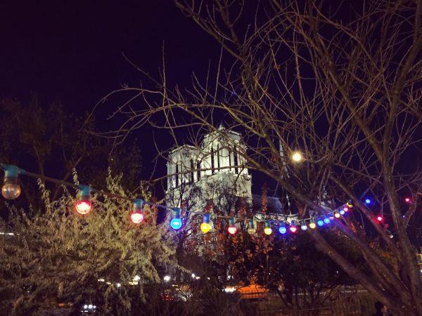 Un air de fête foraine sur Notre Dame de Paris