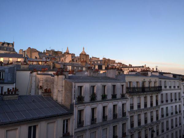 Vue sur les toits de Montmartre un après midi d'hiver