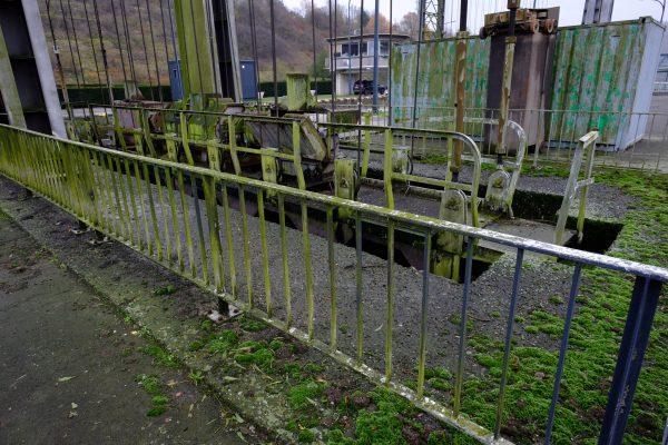 Entre Gosselies et Roux, une écluse encore en activité à Charleroi