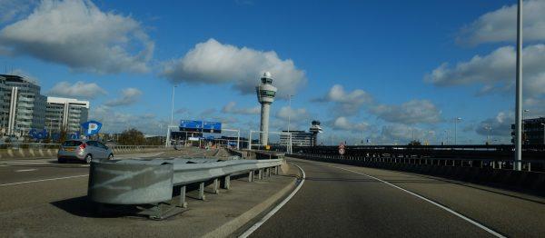 L'aéroport d'Amsterdam Schiphol, l'un des plus grands aéroports d'Europe
