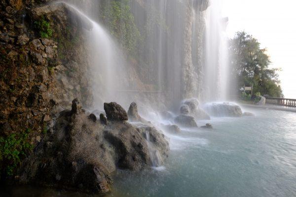 La cascade du parc du château à Nice