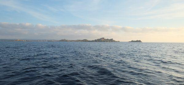 Les îles Lavezzi, de gros cailloux juste posés sur l'eau