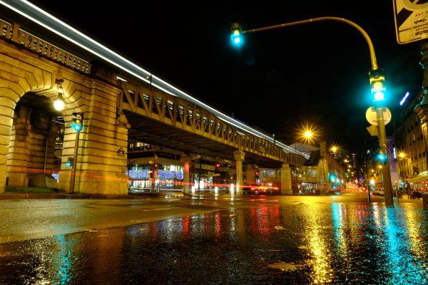 Métro quai de la gare à Paris, la plus grande ville de France