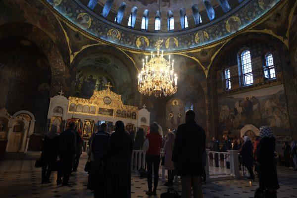 Une cérémonie religieuse à Kiev, l'un des pays les plus peuplés d'Europe