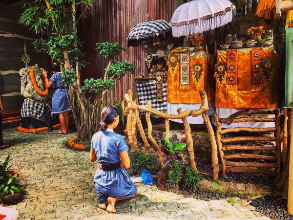 Une scène habituelle à Bali