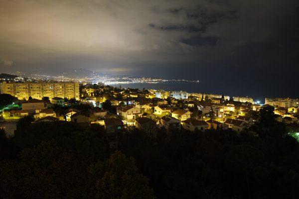 Vue sur la ville de Nice depuis le quartier ouest de la Lanterne