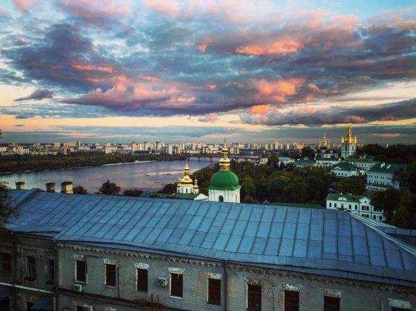 Le coucher du soleil vue depuis Laure des Grottes de Kiev