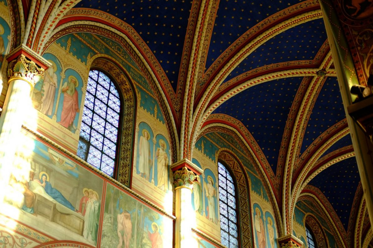 Les plafonds de l'église Saint-Germain dans le Sixième arrondissement