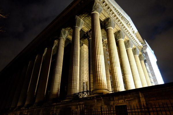 L'imposante église de la Madeleine à Paris