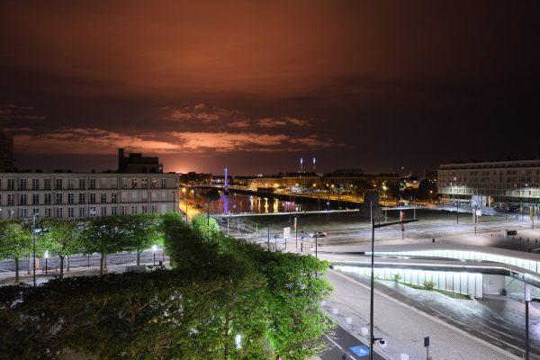 Vue imprenable la nuit sur le bassin de Commerce du Havre