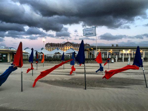 Deauville un soir d'orage avant la tempête