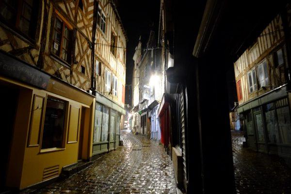 Escale de nuit à Honfleur, la rue des lingots