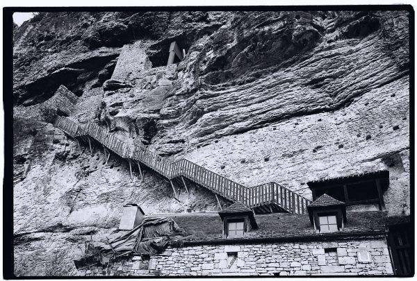 La Roque Gageac un village construit à flanc de falaise dans le Périgord