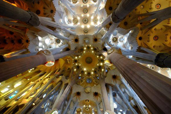L'impressionnante voûte de la nef de la Sagrada Familia