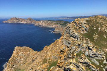 Vue sur l'île du phare en Espagne