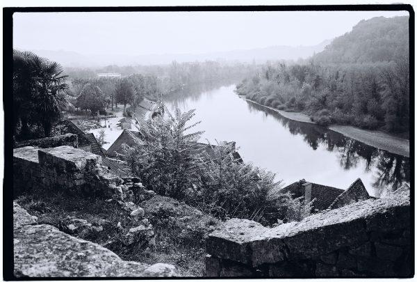 Vue sur la Dordogne depuis la ville de la Roque Gageac, Périgord