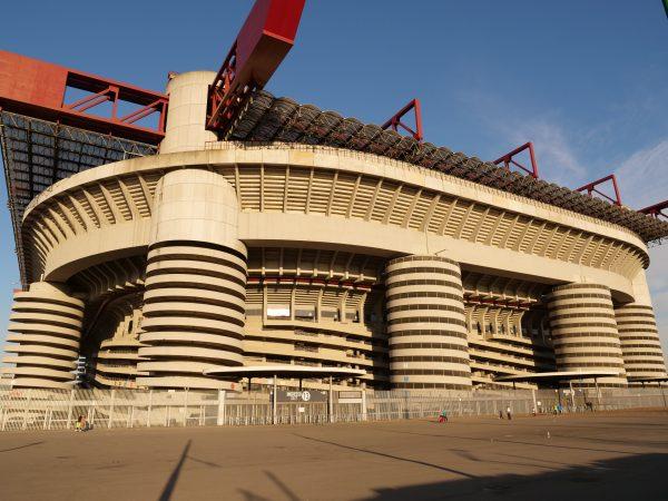 Le grand stade de San Siro à Milan
