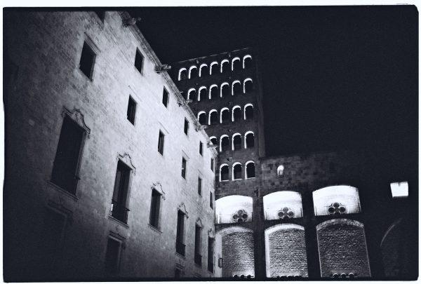 Balade la nuit dans le quartier gothique de Barcelone