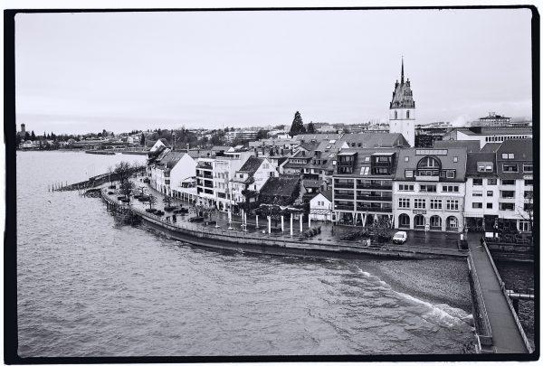 La belle ville de Friedrichshafen sur les bords du lac de Constance