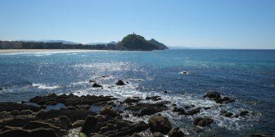 Une superbe vue sur la baie de San Sébastian et la plage de Zurriola