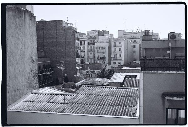 Vue sur les toits de Barcelone dans le quartier de Montjuïc