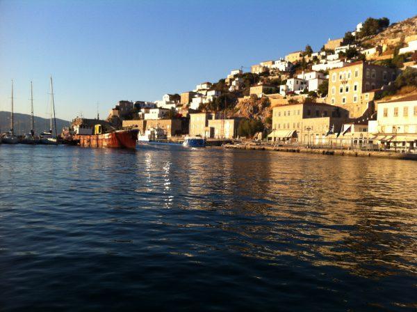 Le petit port d'Hydra en Grèce