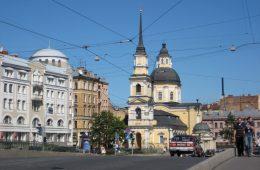 Moscou ou Saint-Pétersbourg ?