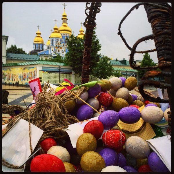 Les œufs de Pâques et le monastère Saint-Michel au Dôme d'Or