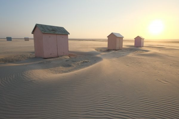 Les petites cabanes en bois de la plage de Berck