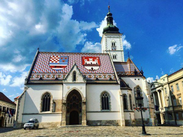 La belle toiture de l'église Saint-Marc