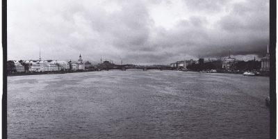 La Neva et Saint-Pétersbourg en automne
