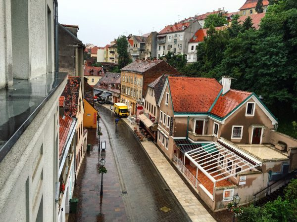 Zagreb sous la pluie