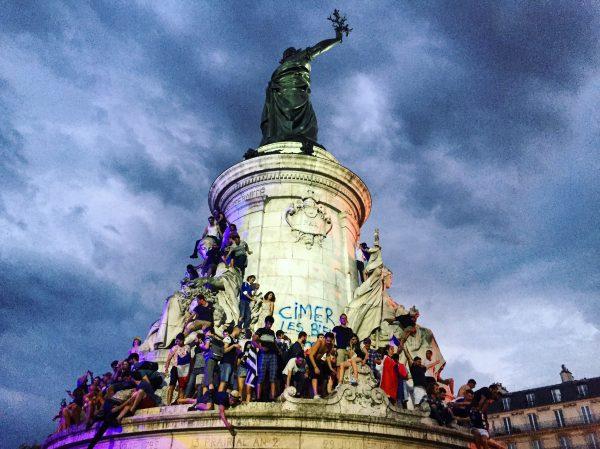 La fête place de la République le 15 juillet 2018