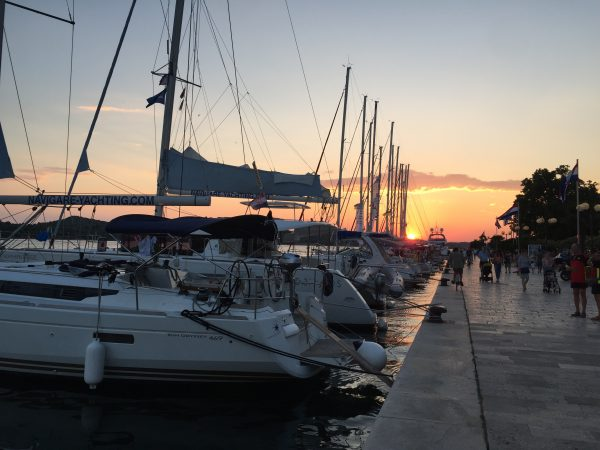 Sibenik, une fin de journée sur le port de plaisance