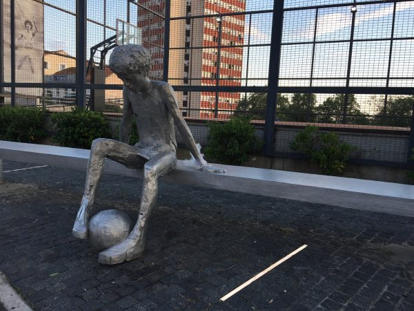 Les croates et le football, un monument à la gloire du football à Sibenik