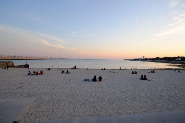 Une fin de journée bien agréable sur la plage de la concurrence