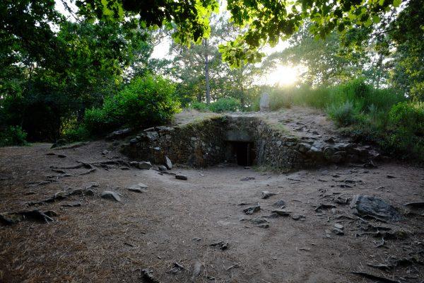 L'entrée d'un Tumulus en Bretagne