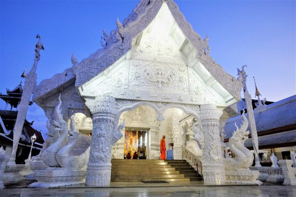 Un temple blanc influence certaine de Chang Rai