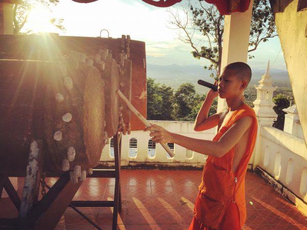 Visite d'un temple à Nan, nord Taïlande