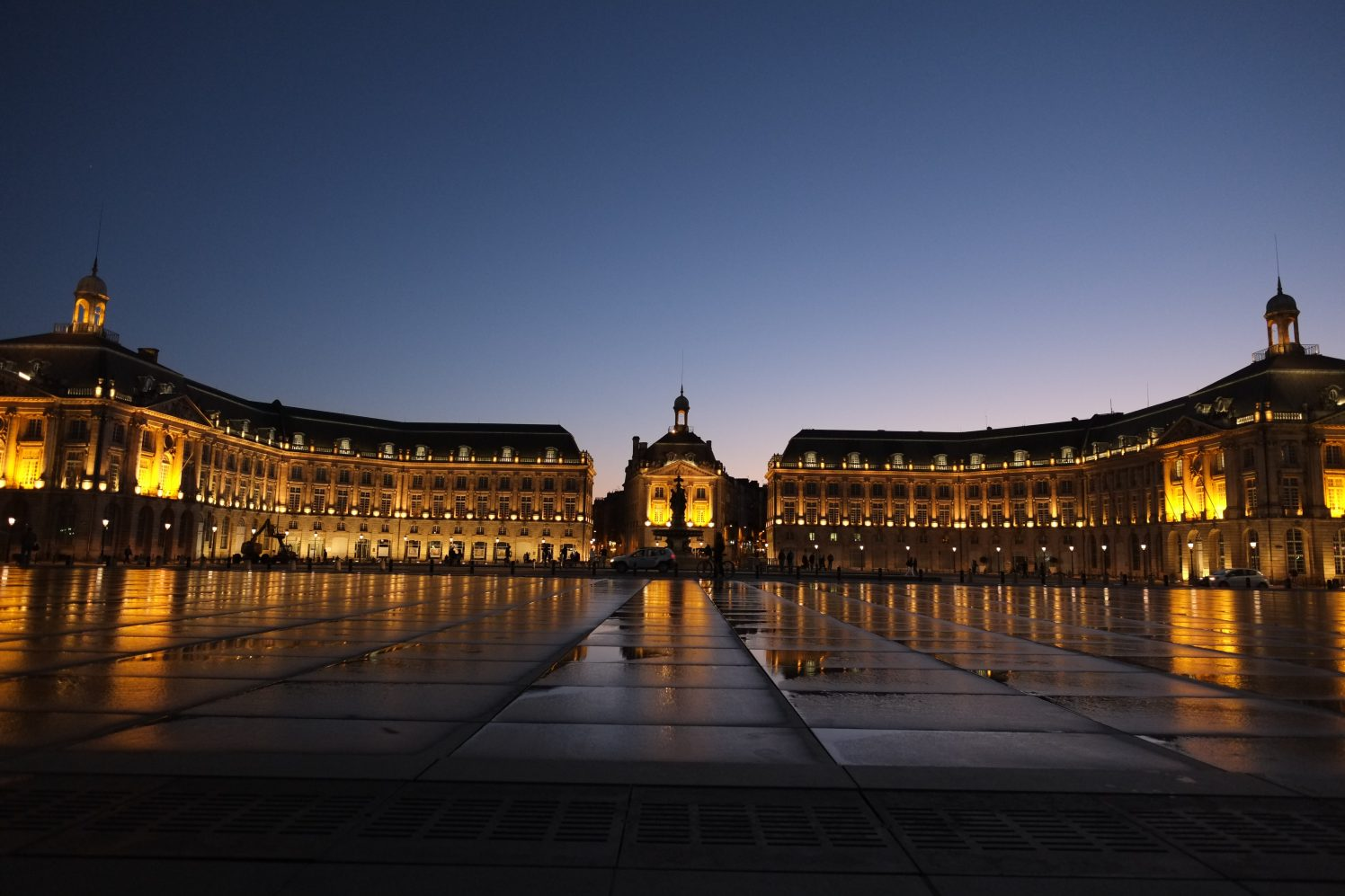 Bordeaux une ville splendide et chaleureuse
