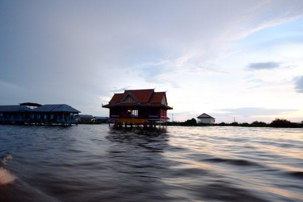 Voir les villages flottants l'une des choses à Faire à Siem Reap