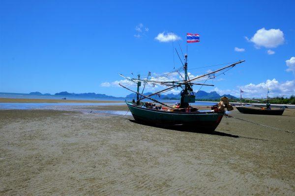 Un bateau de pêcheur thaïlandais
