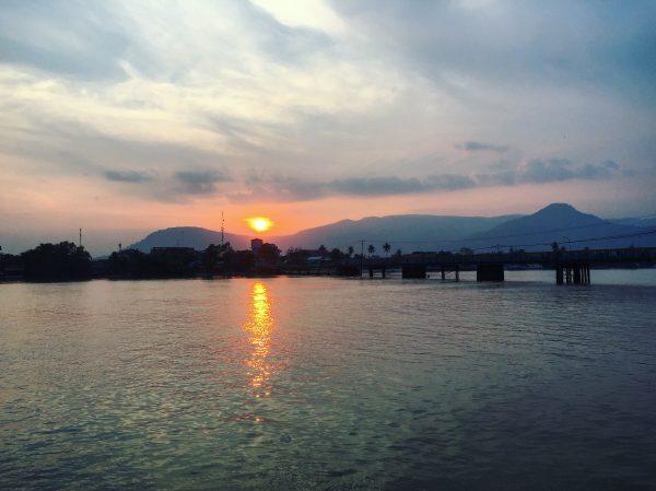 Un couché de soleil à Kampot