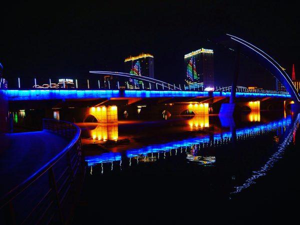 Yanji et son éclairage bleuté une réussite qui métamorphose la ville