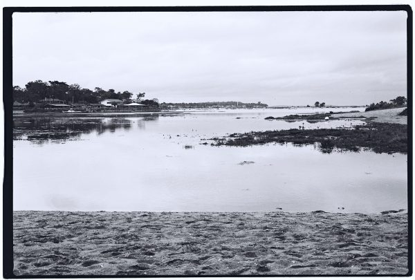Une photo en argentique et en noir et blanc du Cap Ferret