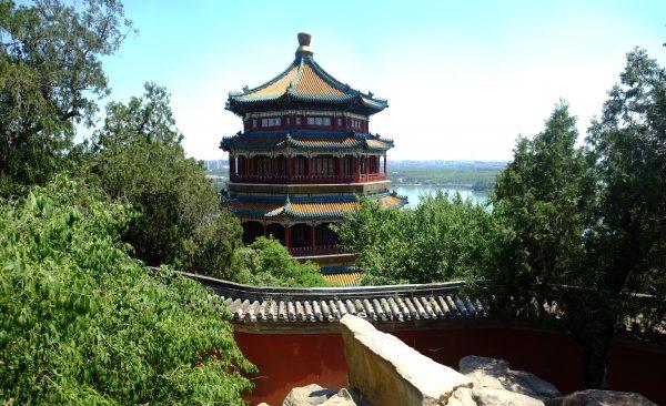 La tour bouddhiste de l'encens au Palais d'été