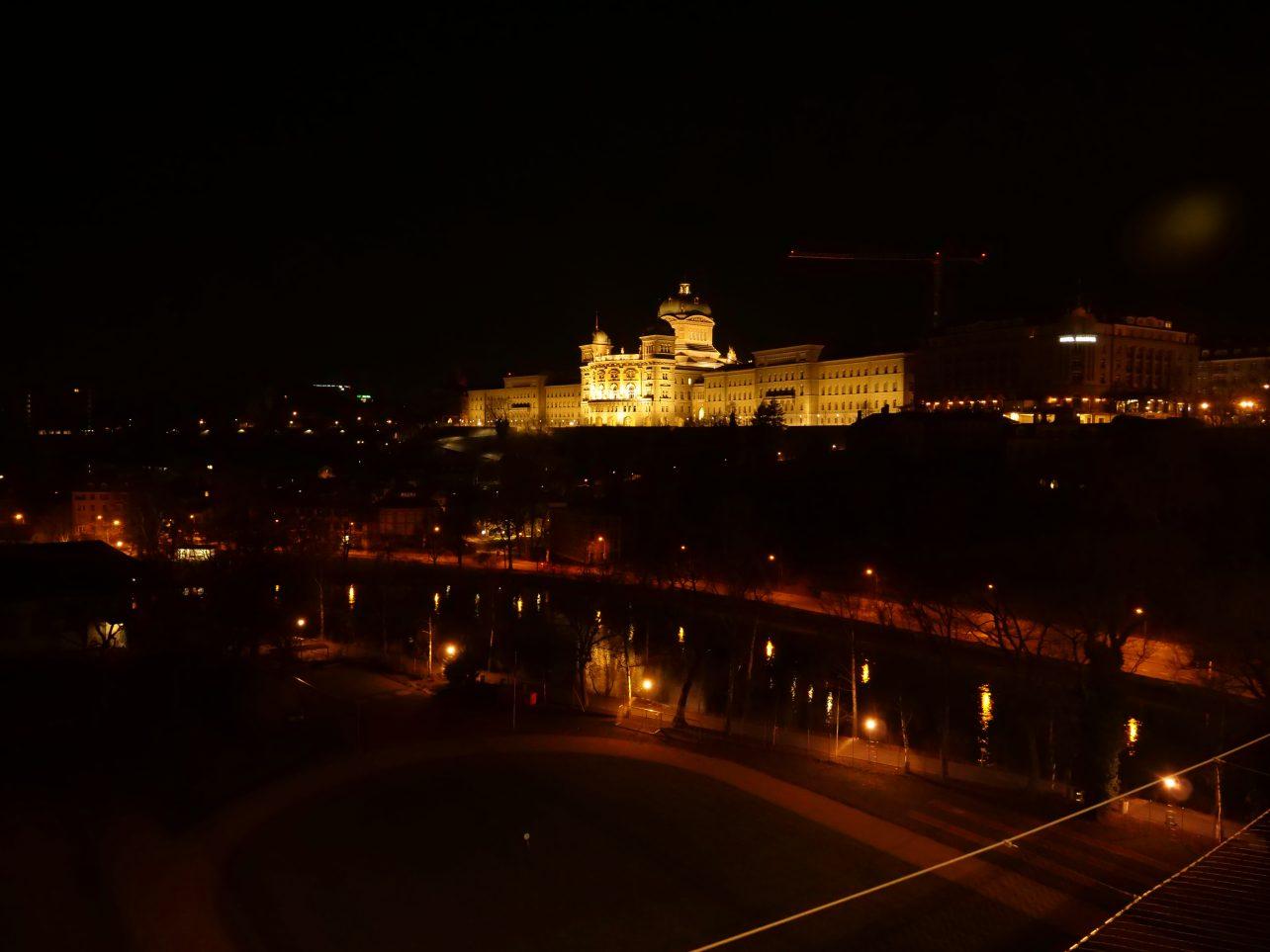 Berne une ville sublime la nuit