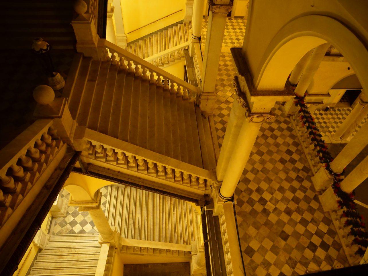 La visite de l'université de Gênes pendant la nuit