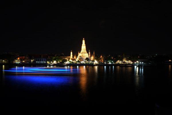 Wat Arun pendant la nuit