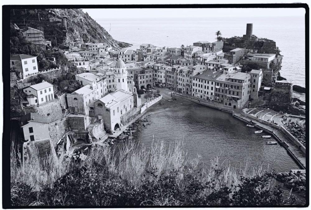Vernazza un village de Cinque Terre en noir et blanc